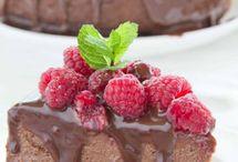 Aaaaah super lekker ik moet die hebben!!! Lekkere druipende chocolade er over heen heerlijk!! En extra veel en leuk en lekker met die frambozen er op