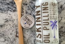 Skinny Coconut Oil Pulling / Coconut Oil Pulling - what it is, what it does & how to do it. All you need is a spoonful of Skinny and 5-20 minutes and you can naturally whiten your teeth, freshen your breath, and improve oral health!