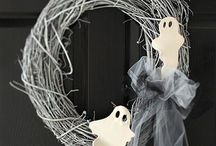 It's Halloween / by Nicemara Cardoso