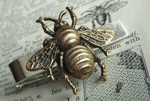 Reasons I Should Be A Beekeeper / by Sadie McGarvey