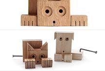 muñecos en madera