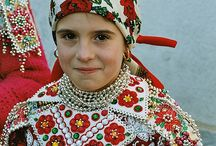 Traditional Dress Europe Russia / Traditional costumes and national dress of countries from around the world !