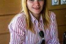 Cum se tine un pahar de vin...ponturi / Cum se tine paharul de vin, cateva ponturi scrise de Magdalena Crisan, in articolul de mai jos... http://www.tersamonia.ro/cum-se-tine-paharul-de-vin/