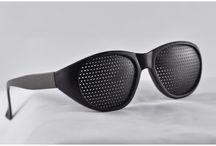 Gafas de Agujeros Finos / Gafas de Agujeros Finos. Gafas de agujeros cónicos finos y gafas de agujeros priamidales finos. Para graduaciones altas. Disponibles en www.gafasreticulares.tienda
