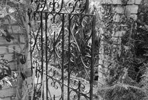 The Forgotten Garden / The Magic Garden in the midst of winter