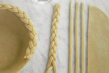 DIY Thanksgiving / Have a happy, handmade Thanksgiving with these place settings, home decor, and centerpiece tutorials.