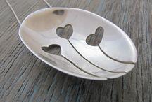 Silver jewellery, cutlery