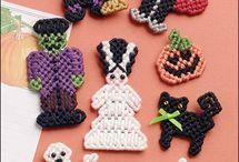 Halloween in Plastic Canvas / by Lori Stilkey