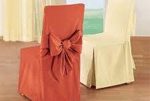 sukienki na krzesła