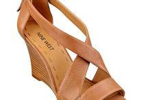Shoes! Shoes! Shoes! / by Junaida Yaacub Jacobsen