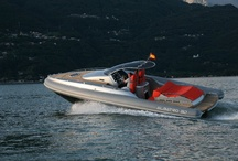 Inflatable Boats Albatro 32 / Albatro 32 inflatable boat are synonymous with elegance and speed guarantee. Adrenaline in high quantity and builded with the latest technology available for inflatable boats.
