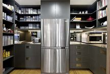 Walk-in pantry ideas