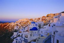 Santorini / Santorini, voted one of the world's best islands on TripAdvisor, is set around a huge volcano crater. Whitewashed towns rise up along the cliffs, creating the perfect viewing platforms for golden Greek island sunsets.