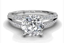 ENGAGEMENT RINGS / Filled with all styles of engagement rings for you to lust on.