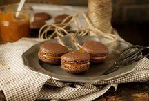 Macarons! / by Mari Ortiz De Zevallos (Gaube)