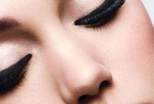 ((make-up))