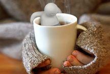 tea infuser / W jesienne i chłodne wieczory na pewno dużo osób sięga po kawe, kakao, czy też herbatę. Dla ulubieńców tego ostatniego znalazłam kilka zaparzaczy, które nie tylko umilą czas, ale też i ułatwią przyrządzanie tego, co ja osobiście pochłaniam rano, wieczór i w południe w niemałych ilościach!