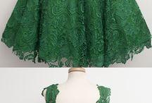 Zöld ékszerek, zöld ruhák / Zöld színű ezüst ékszerek és a hozzájuk harmonizáló ruhaösszeállítás egy helyen.