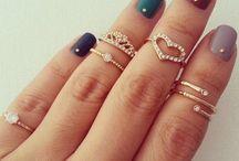 anéis, colares, brincos e afins