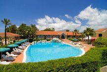 Campania - Relais Le Magnolie / 48 suites, 16.000 metri quadri di macchia mediterranea e piante subtropicali. Mare, relax, sport, buona cucina, cultura, divertimento… tutto a portata di mano.