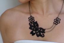 Bijoux en tous genre / by Audrey Baba