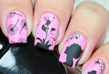 STAMPING MARIANNE NAILS & DIVERS