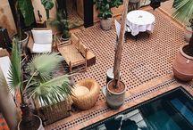 Sahara Flair / Take me to the desert: Wohnelemente im Sahara-Stil bringen Ruhe und Wohlfühlambiente in euer Zuhause! Wir haben unsere Lieblinge der Wüste für euch zusammengestellt. ♡
