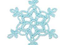 Háčkované sněhové vločky