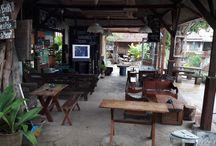 Tempat Nongrong Asik dan Cozy di Bandung / BANDUNG berasal dari kata bandungan, yang artinya bendungan atau tempat berkumpulnya air, seperti halnya sebuah mangkuk yang sangat besar. Untuk dapat membuktikan bahwa Bandung adalah sebuah mangkuk raksasa, maka kita harus melihatnya langsung di puncaknya Bandung, Punclut.