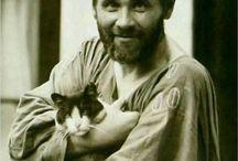 Gustav Klimt 1862-1918 / Østerriksk art nouveau-maler som er kjent for å ha skapt sin egen stilretning, Wiener Sezession, med elementer hovedsakelig fra symbolismen og flere andre stilretninger. Klimts hovedsubjekt var kvinnekroppen.[