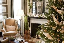 The Luxurious Holiday Home / Get inspired with Thanksgiving and holiday decorations from this board featuring the most luxe looking dining rooms.