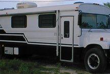 Skoolies! / Make-over old school buses into campers