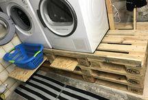 Podest für Waschmaschine und Trockner / 3 Europaletten und 3 halbe Paletten versetzt übereinander Stapeln.Verschrauben. und in die seitliche Öffnung Schubfächer schieben.