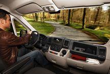 Kombi prevoz / Pored selidbi i kamionskog prevoza, svojim klijentima nudimo i usluge prevoza robe kombijem. Posedujemo nekoliko vozila koje vam preporučujemo da koristite ukoliko imate potrebu za prevozom manjeg broja stvari .  Otprilike kvadratura stana do 35 kvadarta može da bude prevezena kombi vozilom.