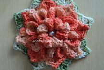 Flores em crochê / Um jardim de flores