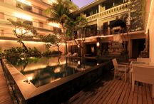 Transera Kamini Legian Hotel / The comfortable rooms here are air-conditioned and features a flat-screen satellite TV, a personal safe and a seating area. Aside from a refrigerator with minibar, the room also comes with an electric kettle and tea/coffee making facilities. En suite bathroom is equipped with a hairdryer, slippers and free toiletries.