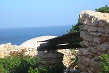 I DAMMUSI DI BORGO CALA CRETA / Hotel a Lampedusa constituito da autentici Dammusi. Per vacanze all'insegna del relax immersi nella macchia mediterranea.