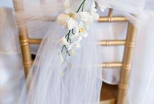 Wedding decor inspiration, Floral Centerpiece Ideas, Table Centerpieces, Chairs end.......floral / Allestimenti in genere, fiori e decori per spazi interni ed esterni wedding reception nel verde