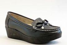 Anneler günü icin Ayakkabi tavsiyesi, modelleri, fiyatlari / Anneler gübü için annenize ayakkabı hedi etmeyi ve online olarak satın almayı düşündü isenşz adresiniz.http://www.modabuymus.com/anneler-gunu-bayan-ayakkabi