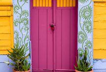 ♠ Entrar ♠ / Estas puertas son tan hermosas! / by Sara Kovach