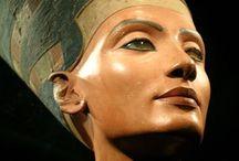 Mujeres con Historia / Reinas, princesas, leyendas... Mujeres que han pasado a la Historia y que dan nombre a nuestras Joyas.