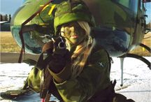 Hot Female Soldiers / Female Soldiers From Around The World