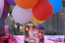Balloon Decorating Ideas / Balloon Arches, Balloon Columns, Balloon Art, Balloon Bouquets and other ideas to help make your event a smashing success!