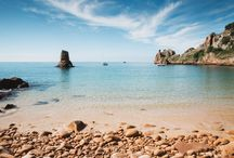 Beautiful Beaches / From bracing early morning dips to catching the last wave of the day as the sun sinks over the evening sky,  the joys of island life are all there waiting to be discovered. Jersey's beaches are your playground to explore.