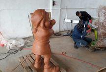 Ýükselen Sanat ta üretim... / Polyester heykeller ve resim sanatı