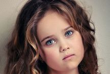 Little Girl Hairstyles / Cute and easy little girl hairstyles with braids, weave, curls and short hair. All Little Girls Hairstyles come with pictures for the perfect inspiration. - http://beautifieddesigns.com/little-girl-hairstyles/