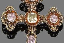 Antique Jewelries