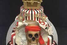 Meus bolos / Bolos decorados, bolos esculpidos, doces modelados, cupcakes modelados, pão de mel decorado, biscoitos amanteigados decorados, pirulito de chocolate decorados