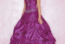 Purple Prom Dresses / by Tina Razzell