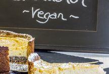 Veganes Ostern - Leckere Rezepte für dein veganes Fest! / Egal ob süß oder herzhaft, Waffeln oder Torte, Flammkuchen oder Salat: Hier findest du die besten veganen Rezepte für deinen Start in den Frühling!